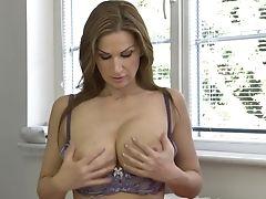 Posh Big-boobed Cougar Carol Goldnerova Feeding Her Fuckbox