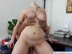 Crazy And Memorable Quickie With Ample Titted Co-employee Siri In The Office