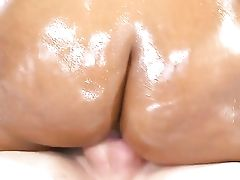 Teenager Cocoa Peyton Sweet Lets Man Fuck Her Caboose