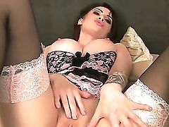 Big-boobed Layla Summers Gropes Her Big Tits