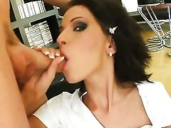 Beautiful Tall Girlie Gets Dual Penetrated