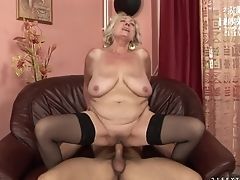 Matures Gets The Mouth Fuck Of Her Fantasies With Hot Dude
