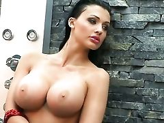 Aletta Ocean Gets All Moist Out In The Open