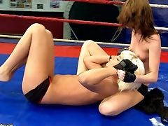 Muff Eating In The Ring With Leyla Peachbloom And Sandra Seashell